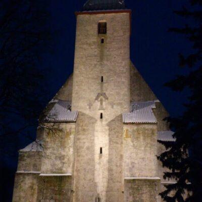 Valgustatud Kaarma-kirik